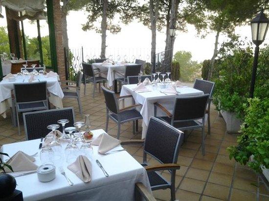 Restaurante El Pinar: La terrasse