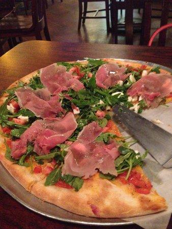Pino's: Carpaccio and arugula pizza