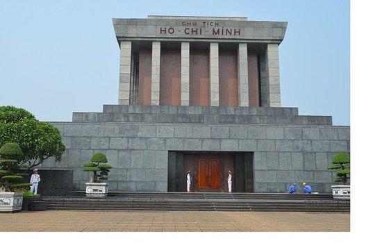 Ho Chi Minh Mausoleum: 1