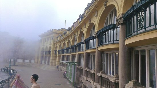Széchenyi Baths and Pool: 3 huge pools in an outdoor courtyard