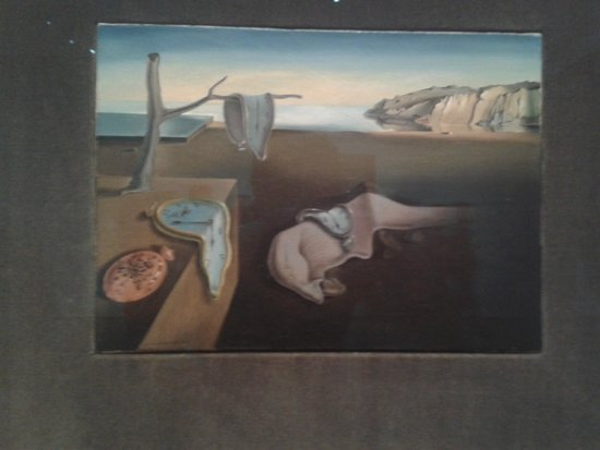The Museum of Modern Art (MoMA) : Dalí