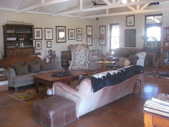 Three Tree Hill: Main lounge