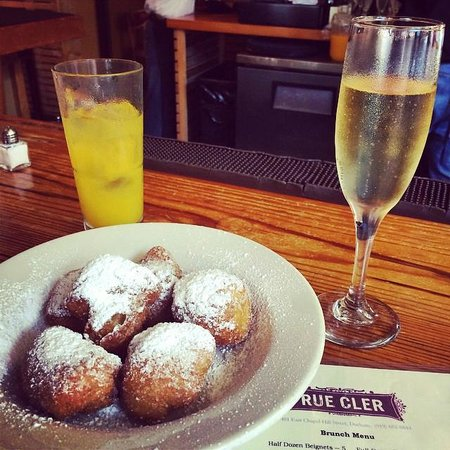Rue Cler Restaurant: Bubbles and Beignets