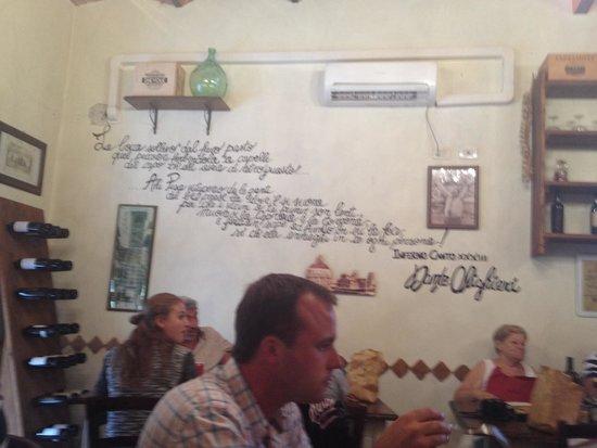La Taverna di Emma: La sala