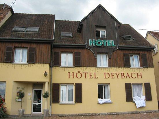 Deybach Hotel: façade