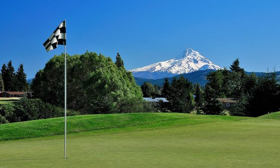 Hood River, OR: 7th Green
