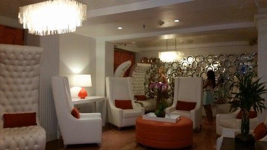 Beacon Hotel: Hotel Lobby