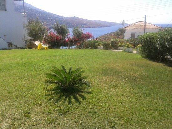 Villa Elpida Studios: garden