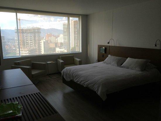 NH Collection Royal Medellin: Room 1109-bedroom