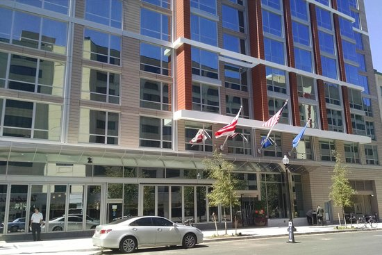 Hilton Garden Inn Washington DC / Georgetown Area: fachada do hotel, 22nd Street