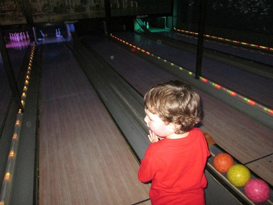 Mini-bowling - Picture of The Web Extreme, West Chester