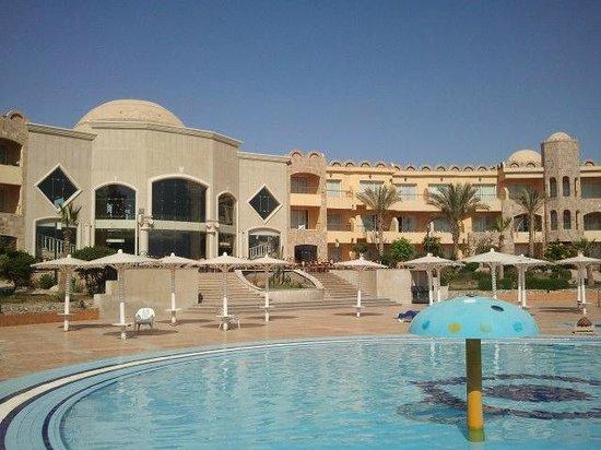 Utopia Beach Club: Il resort, la hall