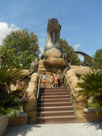 Dinoland a Mirabilandia