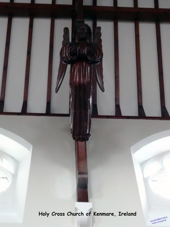 Holy Cross Church: Check out the craftsmanship
