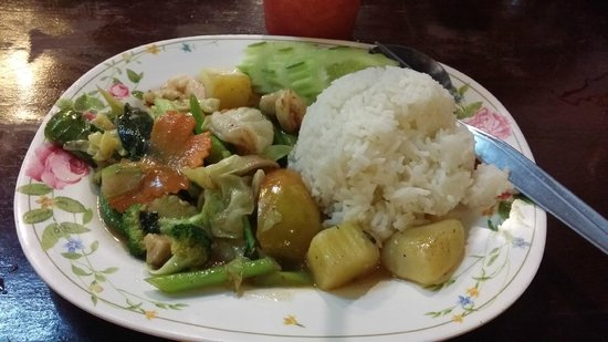 Number 6: Shrimp with veggies and steamed rice 80B