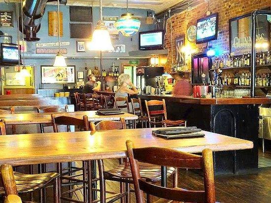 Local Joe's Tap & Grill: inside bar
