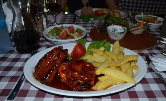 Letymbou Tavern: Main dish - Spare Ribs with homemade Fries + Salad