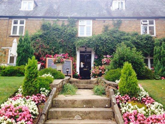 Easington House: A warm welcome entrance
