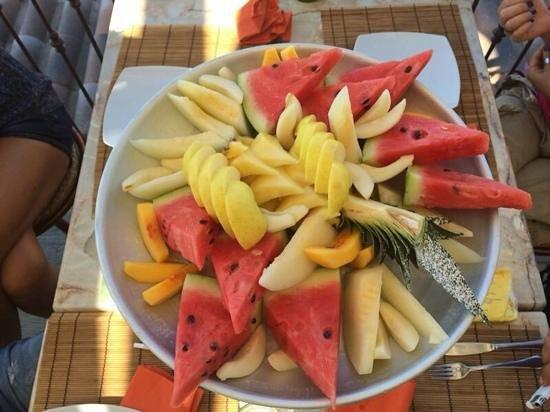 vassoio di frutta foto di casale michelangelo quarto