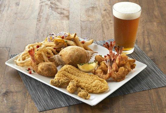 Landry's Seafood House: Fried Seafood Platter