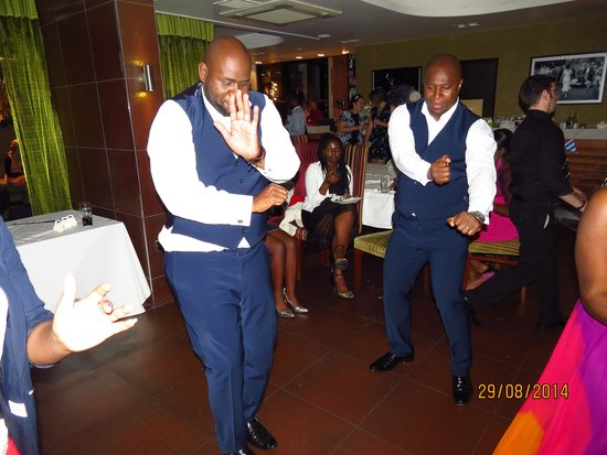 Icon Hotel Luton: best man and groom dance for the crowd