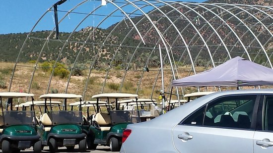 Lakota Canyon Golf Course: Uncovered Carts