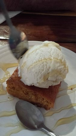 "Slow Groovin' BBQ: ""Cornbread with Ice Cream and Honey"