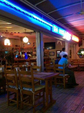 Sea Horse Restaurant, Oludenize