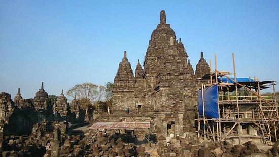 Candi Sewu : partialy restored