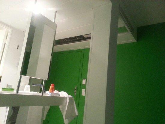 Ibis Styles Menton Centre : Chambre