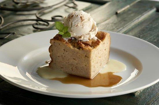 Landry's Seafood House: Cinnamon Bread Pudding