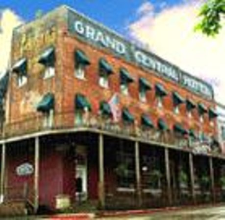 "Grand Central Hotel: The ""Grand Dame of the Ozarks"""