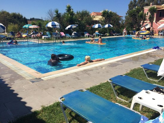 Monika Hotel Apartments: Pool - beautiful