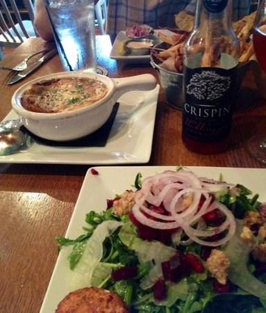 "Beer Kitchen: French onion soup and ""rocket"" salad"