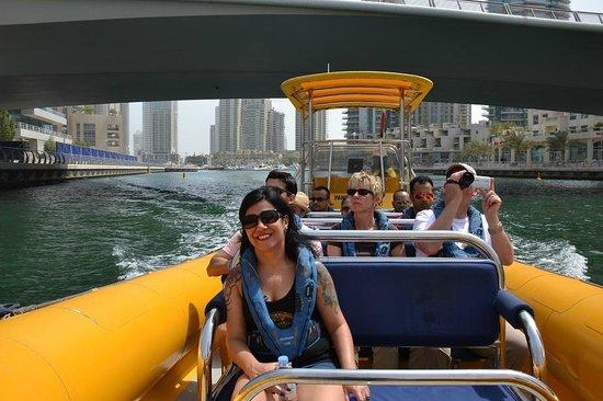 The Yellow Boats : Atravessando a Marina