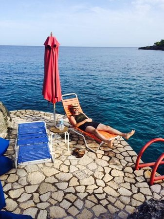 Rockhouse Hotel: LOUNGING ON OUR PRIVATE PATIO