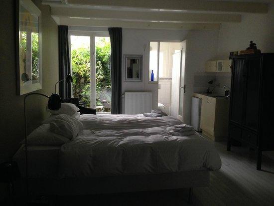 WestViolet Bed & Breakfast: ground floor room