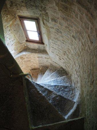 Manoir du Quesnay : Narrow stairs