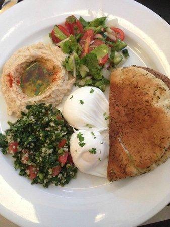 Mogador Cafe: Mediterranean eggs (poached)
