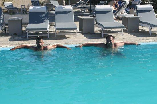 Hotel Anastasia Santorini: In piscina
