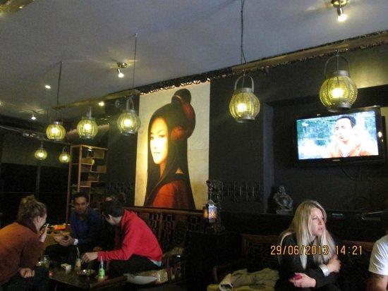 Goa Coffeeshop: Side