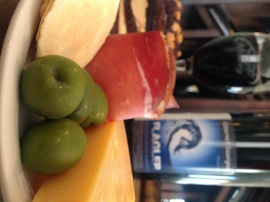 Flagler Beachfront Winery : Great Tapas and Wine
