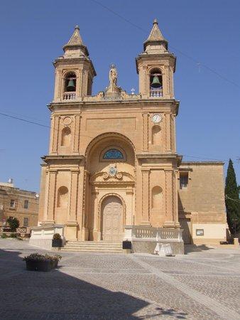 Marsaxlokk, Malta: Собор Божьей Матери ди Помпеи.
