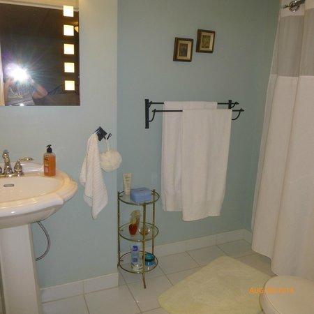 Bella Vista B&B: En -Suite Bathroom