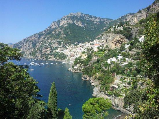 La Maliosa d'Arienzo: la vista dalla scalinata che porta alla spiaggia