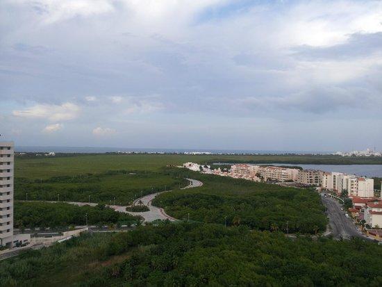 Krystal Urban Cancún: Vista a la Laguna