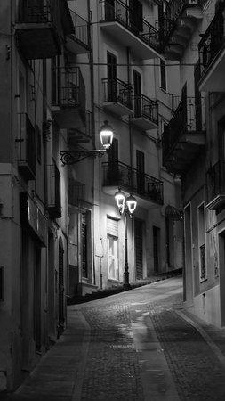 Bed & Breakfast Biocasa Quarto a Monte : Street scene down the hill