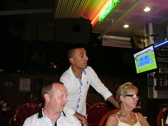 Samdan Restaurant : Our lovely waiter
