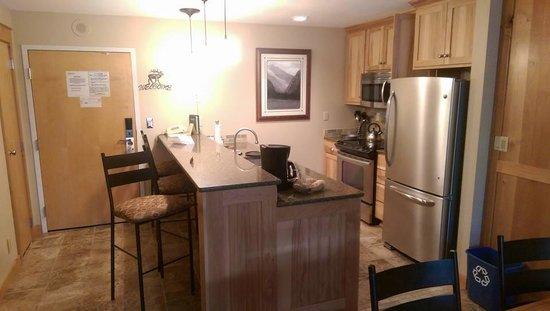 Simba Run Vail Condominiums : Kitchen