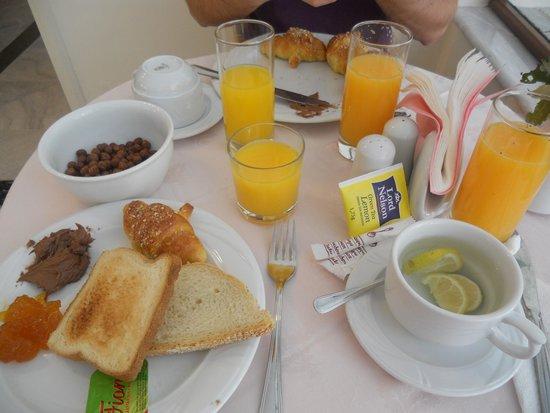 Yakinthos Hotel: Colazione